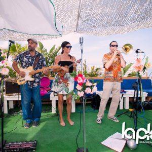 Fiesta Música hawaiiana playa